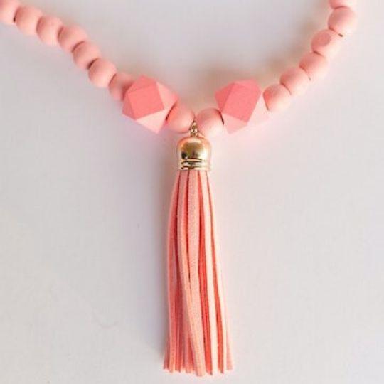 Collar para niñas en color rosa
