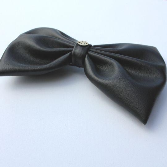 Lazo negro de polipiel