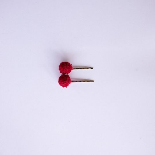 Horquillas de pompón granate