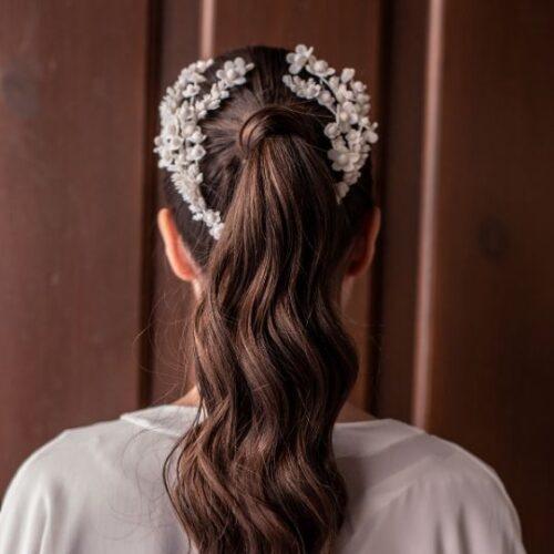 Tocado envolvente para novias