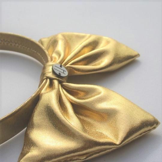 Diadema lamé dorado