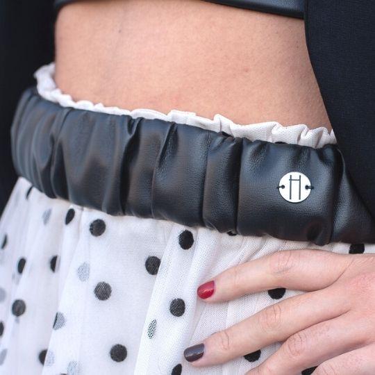Cinturón negro de polipiel